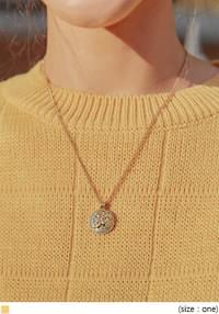 VINTAGE ROMA PENDANT NECKLACE