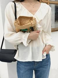 Relieving blouse