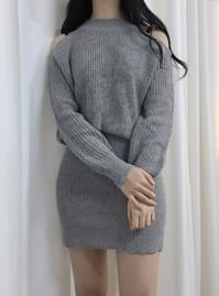 Mochi shoulder knit knit dress