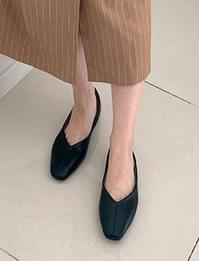 Plan Simple Line Flat Shoes