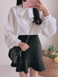 Modern ribbon blouse