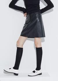 Simple leather mini skirt