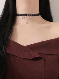 Heart Fit Lace Choker