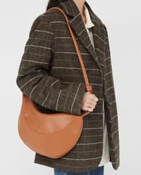 rounding strap shoulder bag
