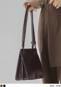 BELIEF CROCODILE SQUARE LEATHER BAG