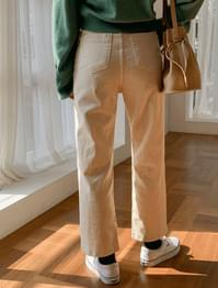 Simple daily corduroy pants