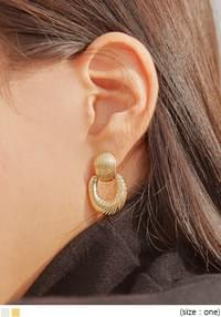 CLAVI MATT DROP EARRING