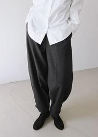 Wide Pot Pants