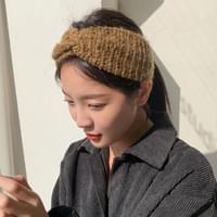 Twisted Point Knit Hairband