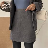 Lattezan Check Wool Skirt