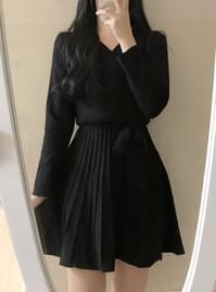 ♥ Pleats wrap knit dress