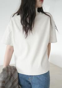 wearable mock-neck half top