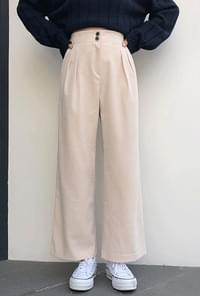 Rear Bending Pin Tuck Slacks