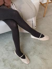 Main Strap Flat Shoes