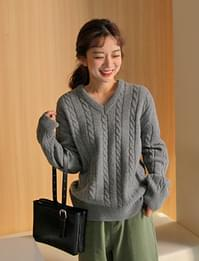 Cable v-neck wool knit_P (size:free)