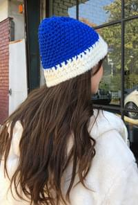 Peer Knit Bonnet