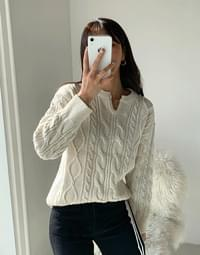 Wool flooded round knit