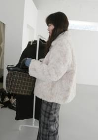 clean soft fake fur jacket (3colors)