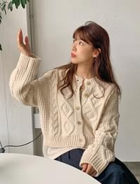 Cable button round cardigan_A