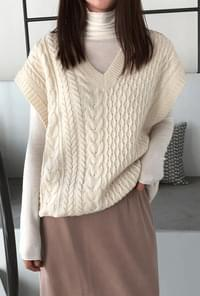 Pretzel wool knit best