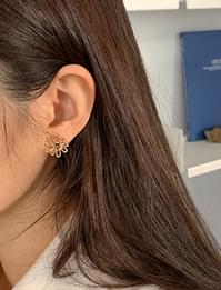 Flower slim point earring_J (size : one)