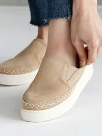 Neverle Leather Hoofed Slip-on 3cm