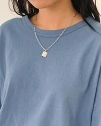 Simple square chain necklace