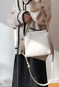 Hilit Shoulder Bag
