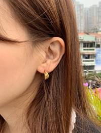 Mini triple line earring_U