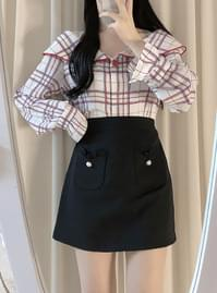 Mono check button blouse