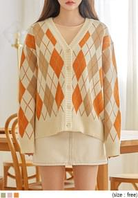 MORES ARGYLE V NECK KNIT CARDIGAN