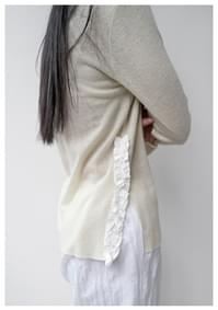 low neck frill wool top
