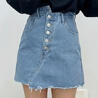 Button-up unhair denim skirt