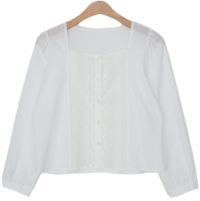 Lace-embroidered square-neck blouse ブラウス