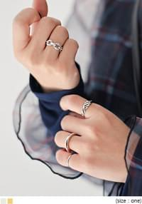 LAOM LAYERED RING 4 SET