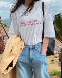 Half T-Shirt with Attention Slit Lettering