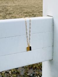 Square pendant chain necklace
