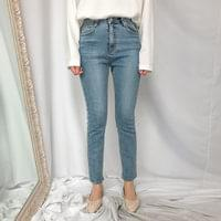 525 light skinny jeans