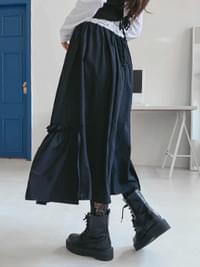 Ruffle-free long skirt