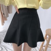 Angle piece mini skirt