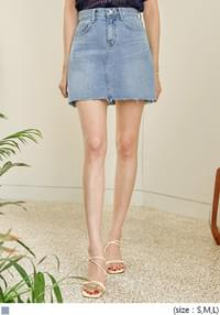 FUNY CUTTING DENIM MINI SKIRT