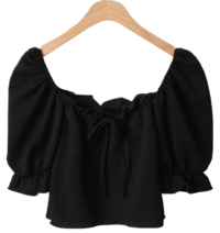 Squarelin string pleated blouse