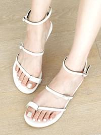 Chemike pecking strap sandals 1 cm