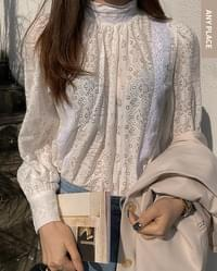 Special offer) Berry lace cotton blouse