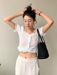 Lace shirring crop blouse