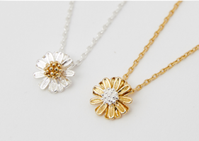 Small dandelion necklace ネックレス
