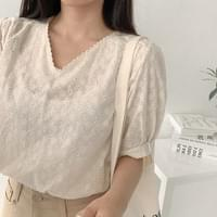 Dew punching blouse