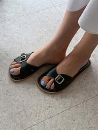 Buckle strap leather slippers