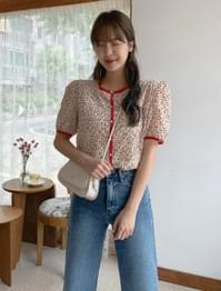 Lovely puff sleeve flower blouse