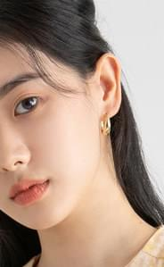 Daily one-touch earrings